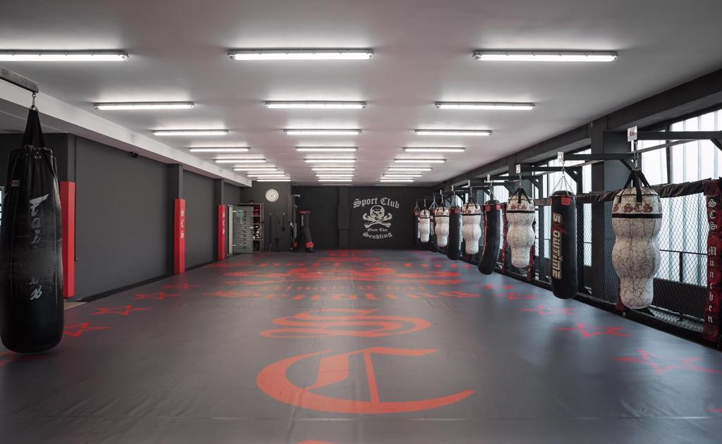 Raum für Muay Thai und Zirkeltraining